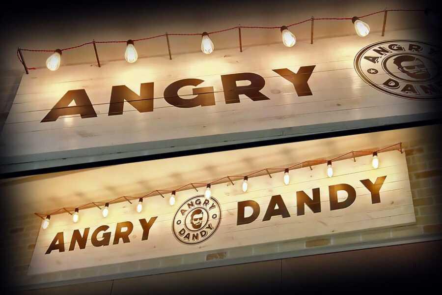 Вывеска с внешней подсветкой Andry Dandy